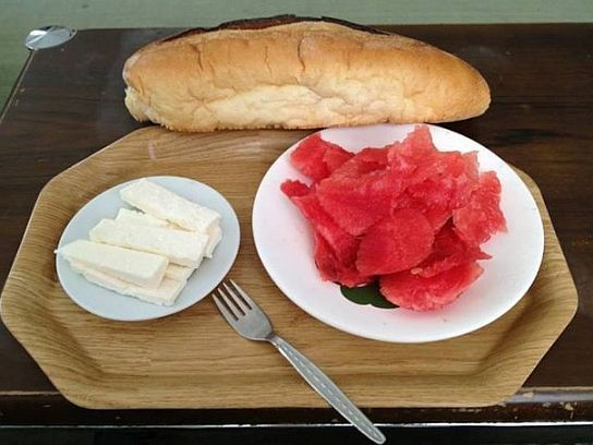снится арбуз с хлебом
