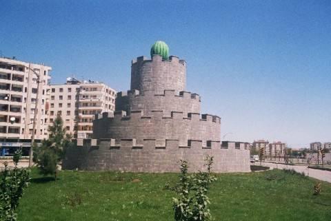 памятник арбузу в Диярбакыре