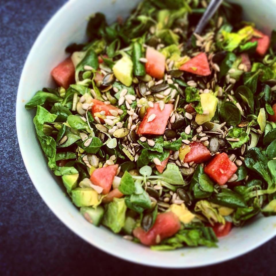 салат арбузный с авокадо